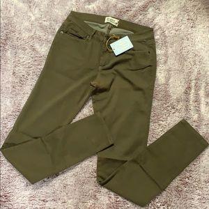 Scarlet Boulevard olive skinny jeans juniors